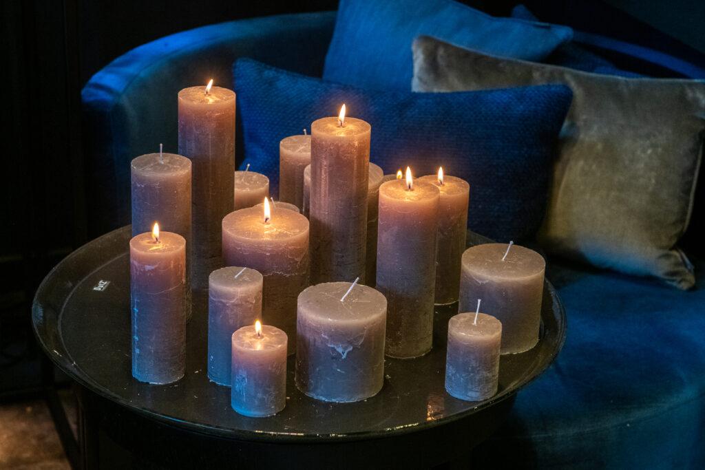 DutZ_candles_lightgrey_plate_2