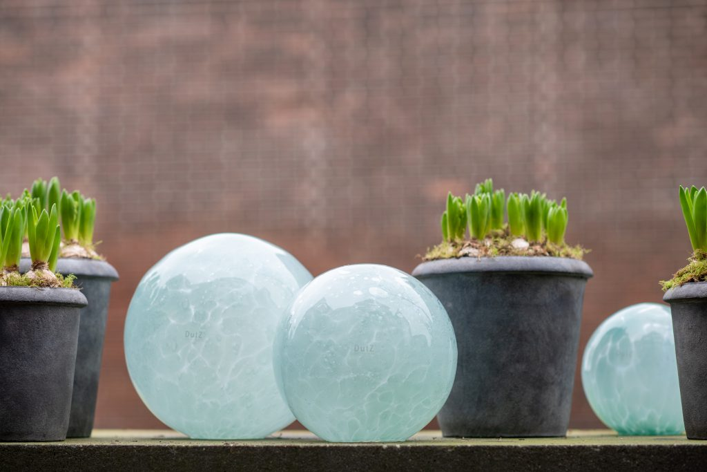 DutZ_gardenballs_blue
