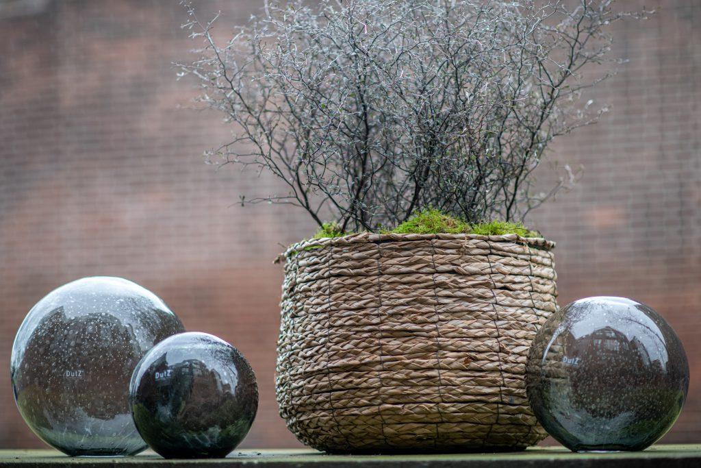 DutZ_gardenballs_grey_2