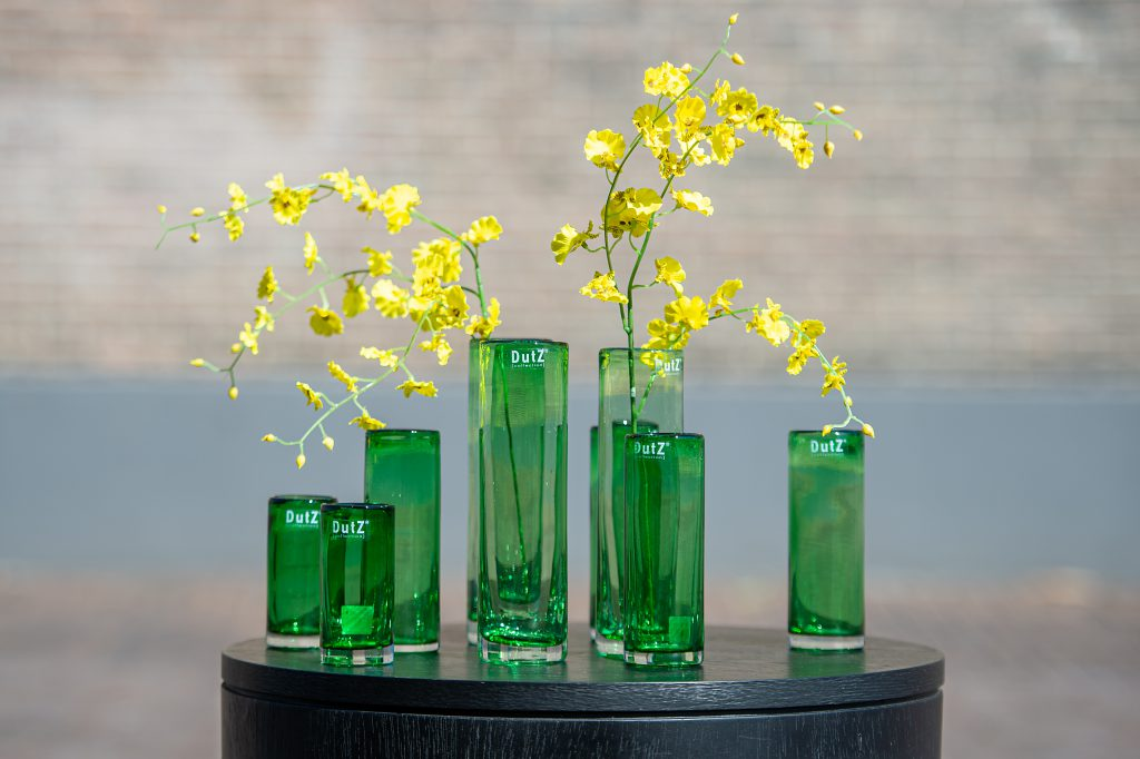 Cylinder vases in 4 different hieght in the colour leaf green